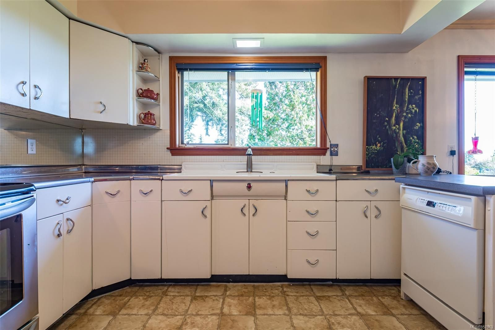 Photo 20: Photos: 4241 Buddington Rd in : CV Courtenay South House for sale (Comox Valley)  : MLS®# 857163