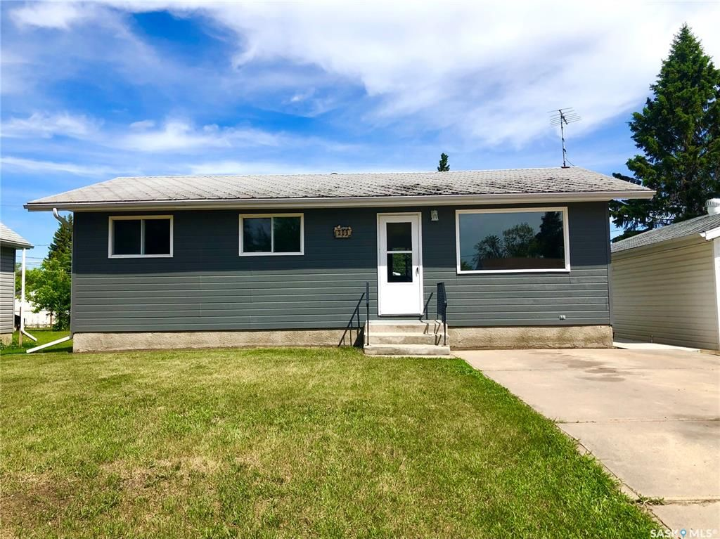 Main Photo: 309 7th Avenue West in Nipawin: Residential for sale : MLS®# SK859065