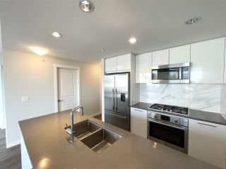 """Photo 13: 708 3281 E KENT NORTH Avenue in Vancouver: South Marine Condo for sale in """"RHYTHM"""" (Vancouver East)  : MLS®# R2560384"""