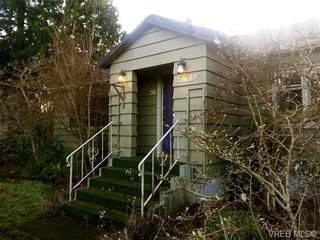 Photo 2: 1421 Fairfield Road in VICTORIA: Vi Fairfield West House for sale (Victoria)  : MLS®# 657848