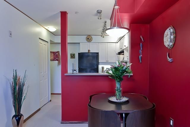 "Photo 8: Photos: 302 997 W 22ND Avenue in Vancouver: Cambie Condo for sale in ""THE CRESCENT"" (Vancouver West)  : MLS®# V873146"