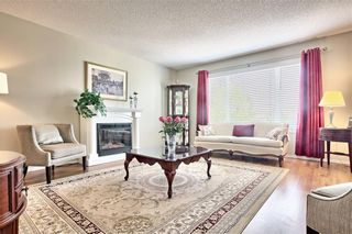 Photo 4: 215 CITADEL Drive NW in Calgary: Citadel Detached for sale : MLS®# C4303372