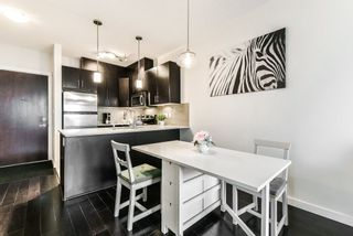 """Photo 7: 405 7777 ROYAL OAK Avenue in Burnaby: South Slope Condo for sale in """"THE SEVENS"""" (Burnaby South)  : MLS®# R2347654"""
