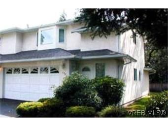 Main Photo:  in VICTORIA: La Fairway Row/Townhouse for sale (Langford)  : MLS®# 404702