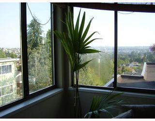 """Photo 7: 5142 HASTINGS Street in Burnaby: Capitol Hill BN Townhouse for sale in """"MAYWOOD"""" (Burnaby North)  : MLS®# V784480"""