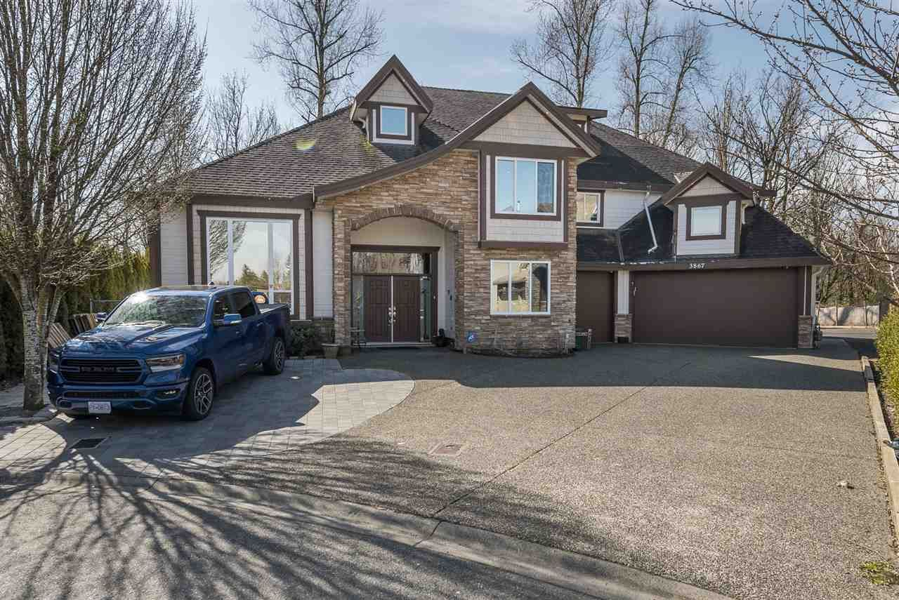 Main Photo: 3867 BRIGHTON Place in Abbotsford: Abbotsford West House for sale : MLS®# R2560398