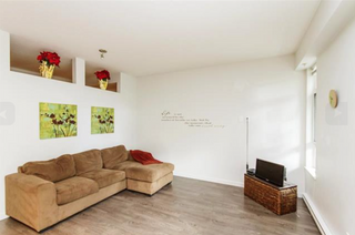 Photo 2: 108 617 Smith Avenue in Coquitlam: Coquitlam West Condo for sale : MLS®# R2107372