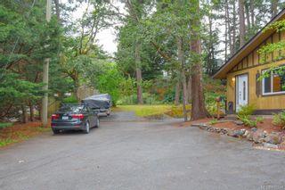 Photo 2: 2670 Selwyn Rd in Langford: La Atkins Half Duplex for sale : MLS®# 842244