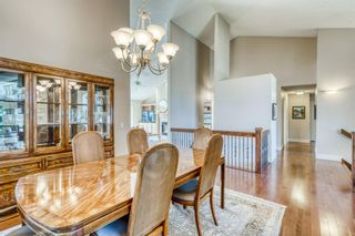 Photo 10: 555 Coach Light Bay SW in Calgary: Coach Hill Detached for sale : MLS®# A1144688