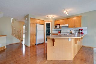Photo 4: 8 Cougarstone Cove SW in Calgary: House for sale : MLS®# C3622619