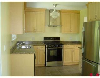 """Photo 3: 9236 119A Street in Delta: Annieville House for sale in """"Annieville"""" (N. Delta)  : MLS®# F2819781"""