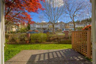 """Photo 25: 2 5201 OAKMOUNT Crescent in Burnaby: Oaklands Townhouse for sale in """"HARLANDS"""" (Burnaby South)  : MLS®# R2161248"""