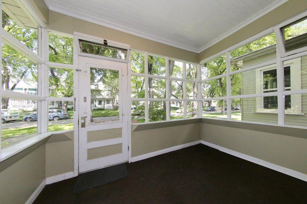Photo 4: Photos: 453 Greenwood Place in Winnipeg: Wolseley Single Family Detached for sale (West Winnipeg)  : MLS®# 1516914