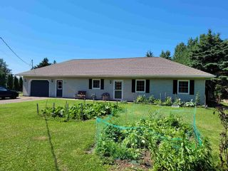 Photo 1: 717 Seaman Street in East Margaretsville: 400-Annapolis County Residential for sale (Annapolis Valley)  : MLS®# 202117318