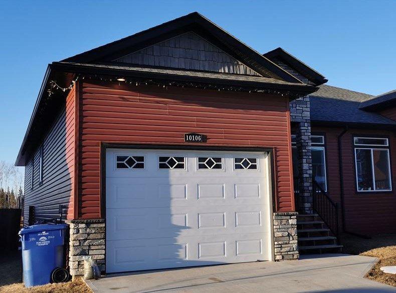 """Main Photo: 10106 117 Avenue in Fort St. John: Fort St. John - City NW 1/2 Duplex for sale in """"GARRISON LANDING"""" (Fort St. John (Zone 60))  : MLS®# R2554174"""