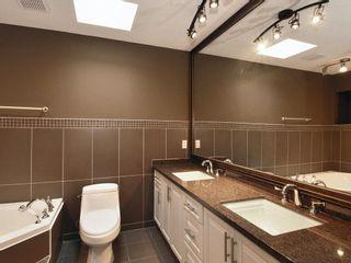 Photo 10: 15821 Columbia Avenue in White Rock: Home for sale : MLS®# F2833600