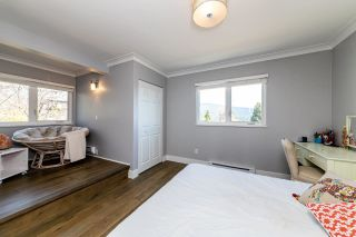 Photo 13: 1061 CHAMBERLAIN Drive in North Vancouver: Lynn Valley House for sale : MLS®# R2449836