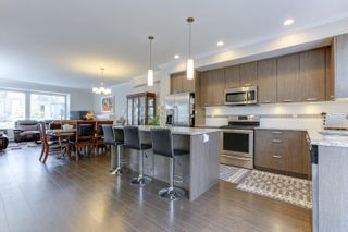 """Photo 10: 43 5888 144 Street in Surrey: Sullivan Station Townhouse for sale in """"ONE44"""" : MLS®# R2597936"""