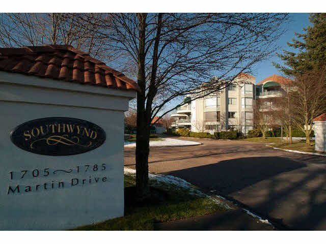"Main Photo: 408 1785 MARTIN Drive in Surrey: Sunnyside Park Surrey Condo for sale in ""SOUTHWYND"" (South Surrey White Rock)  : MLS®# F1439019"