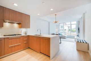 """Photo 5: 402 2738 LIBRARY Lane in North Vancouver: Lynn Valley Condo for sale in """"RESIDENCES AT LYNN VALLEY"""" : MLS®# R2589943"""