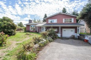 Photo 2: 15500 OXENHAM Avenue: White Rock House for sale (South Surrey White Rock)  : MLS®# R2620472