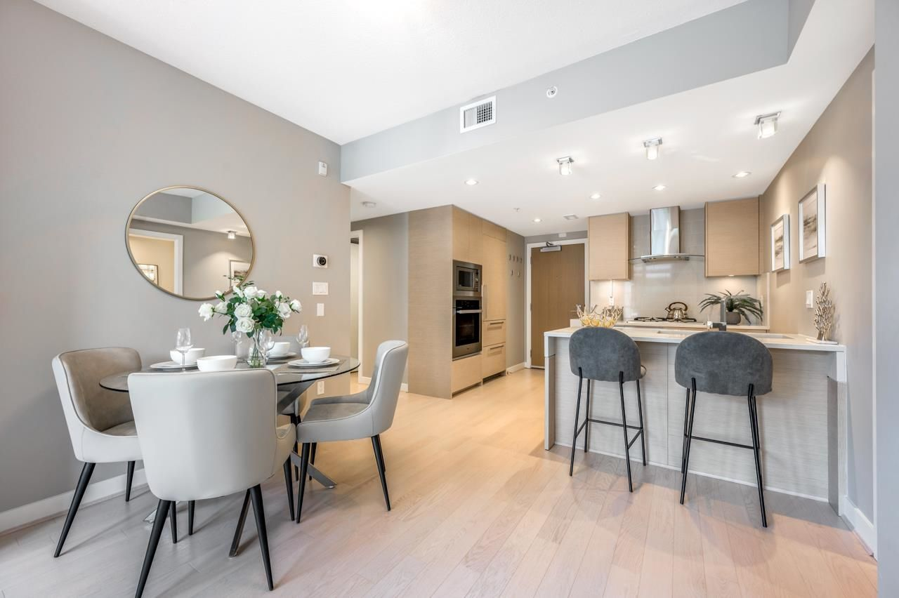 """Main Photo: 101 505 W 30TH Avenue in Vancouver: Cambie Condo for sale in """"EMPIRE AT QE PARK"""" (Vancouver West)  : MLS®# R2608468"""