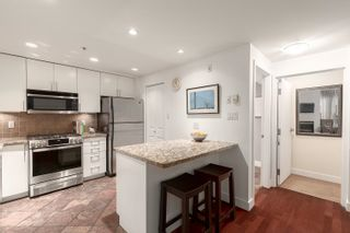 """Photo 7: 1409 W 7TH Avenue in Vancouver: Fairview VW Townhouse for sale in """"Sienna @ Portico"""" (Vancouver West)  : MLS®# R2615032"""