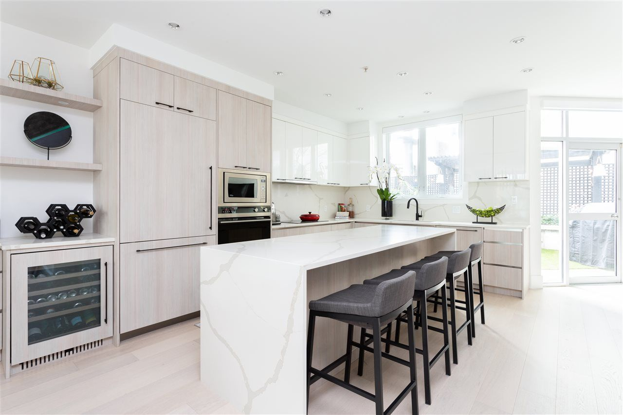 Main Photo: 1238 QUEBEC Street in Vancouver: Downtown VE Townhouse for sale (Vancouver East)  : MLS®# R2557684