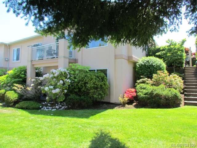 Main Photo: 6317 REDONDA PLACE in NANAIMO: Na North Nanaimo Row/Townhouse for sale (Nanaimo)  : MLS®# 704106