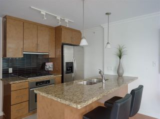 """Photo 6: 1006 1189 MELVILLE Street in Vancouver: Coal Harbour Condo for sale in """"The Melville"""" (Vancouver West)  : MLS®# R2519341"""