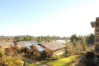"""Photo 9: 307 3110 DAYANEE SPRINGS Boulevard in Coquitlam: Westwood Plateau Condo for sale in """"LEDGEVIEW"""" : MLS®# R2229127"""