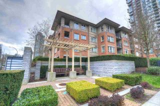"""Main Photo: 114 3097 LINCOLN Avenue in Coquitlam: New Horizons Condo for sale in """"LARKIN HOUSE"""" : MLS®# R2436742"""