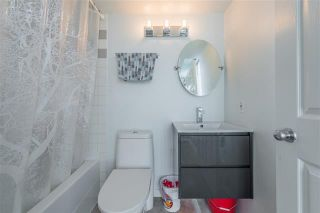Photo 10: 2702 63 Keefer Place in Vancouver: Downtown VW Condo for sale (Vancouver West)  : MLS®# r2441548