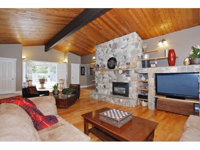 Photo 3: Photos: 29 Clovermeadows Cr in Langley: Salmon River House for sale : MLS®# F1429992