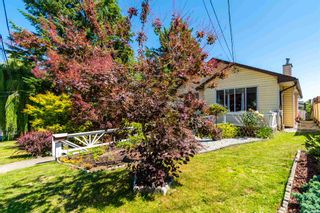 """Photo 2: 32870 3RD Avenue in Mission: Mission BC House for sale in """"WEST COAST EXPRESS EASY ACCESS"""" : MLS®# R2595681"""