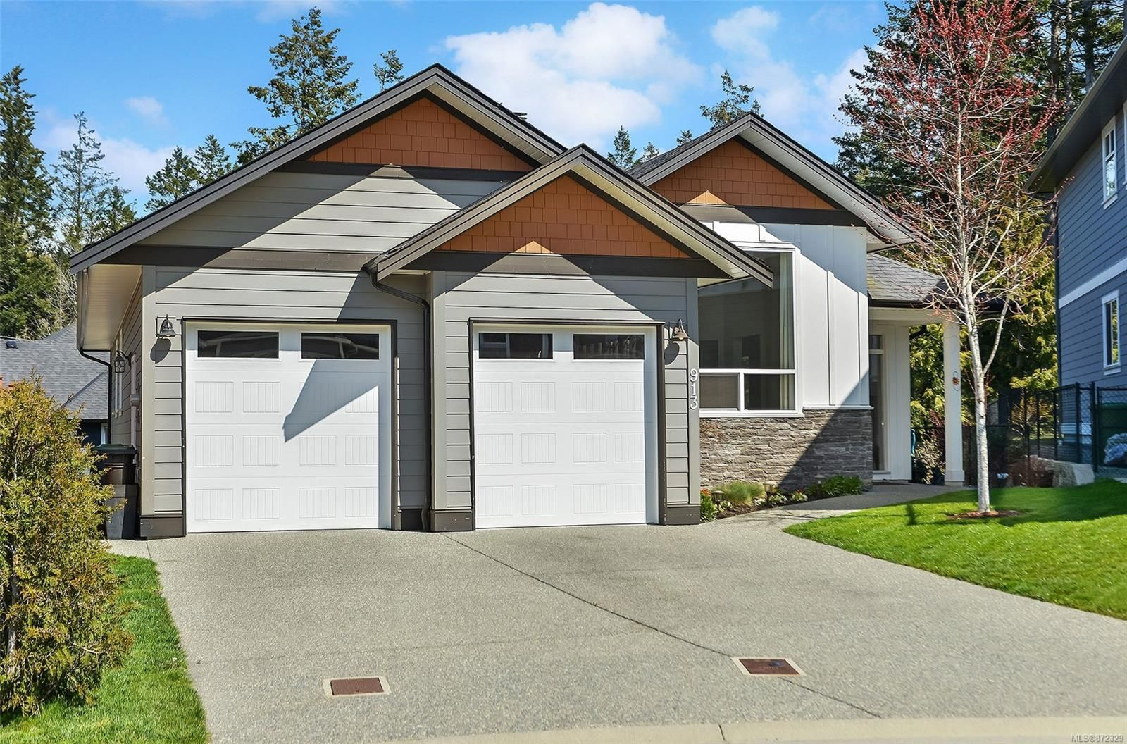 Main Photo: 913 Geo Gdns in : La Olympic View House for sale (Langford)  : MLS®# 872329