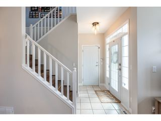 """Photo 3: 13 6177 169 Street in Surrey: Cloverdale BC Townhouse for sale in """"Northview Walk"""" (Cloverdale)  : MLS®# R2559124"""