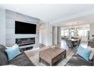"""Photo 4: 17 15717 MOUNTAIN VIEW Drive in Surrey: Grandview Surrey Townhouse for sale in """"Olivia"""" (South Surrey White Rock)  : MLS®# R2572266"""