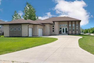 Photo 2: 112 River Edge Drive in West St Paul: Rivers Edge Residential for sale (R15)  : MLS®# 202115549