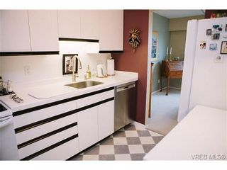 Photo 13: 407 1050 Park Blvd in VICTORIA: Vi Fairfield West Condo for sale (Victoria)  : MLS®# 722013