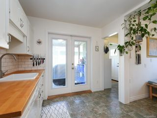 Photo 9: 2727 Scott St in : Vi Oaklands House for sale (Victoria)  : MLS®# 850313