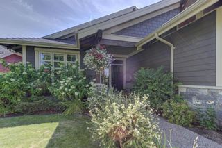 Photo 2: 512 Longspoon Bay, in Vernon: House for sale : MLS®# 10213531