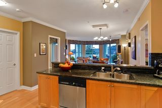 """Photo 7: 215 3629 DEERCREST Drive in North Vancouver: Roche Point Condo  in """"RAVENWOODS"""" : MLS®# V862981"""
