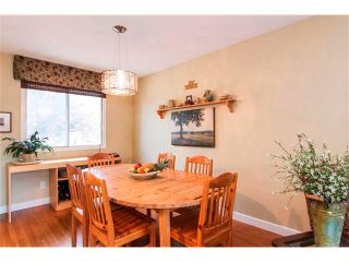 Photo 13: 416 RUNDLEHILL Way NE in Calgary: Rundle House for sale : MLS®# C4015836