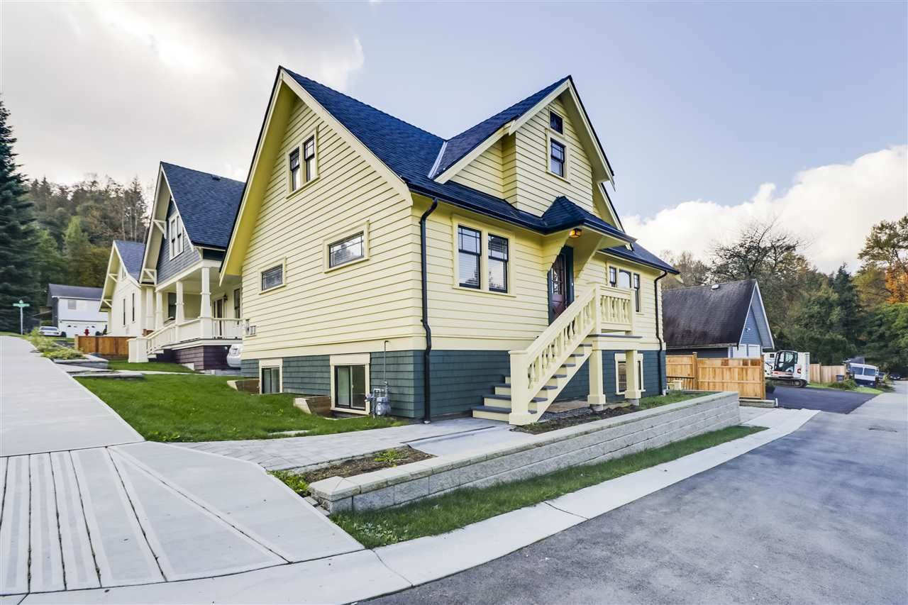 Main Photo: 2133 ST ANDREWS Street in Port Moody: Port Moody Centre House for sale : MLS®# R2511945