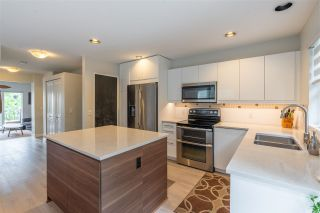 """Photo 4: 85 15168 36 Avenue in Surrey: Morgan Creek Townhouse for sale in """"Solay"""" (South Surrey White Rock)  : MLS®# R2469056"""