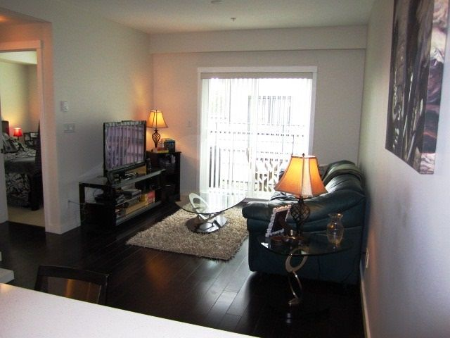 Photo 5: Photos: 307 7777 ROYAL OAK AVENUE in Burnaby: South Slope Condo for sale (Burnaby South)  : MLS®# R2062164
