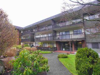 "Photo 1: 302 155 E 5TH Street in North Vancouver: Lower Lonsdale Condo for sale in ""Winchester Estates Ltd."" : MLS®# V897920"