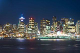 Photo 1: 1705 188 E ESPLANADE in North Vancouver: Lower Lonsdale Condo for sale : MLS®# R2148566