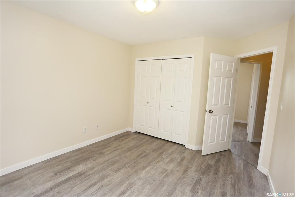 Photo 24: Photos: 131B 113th Street West in Saskatoon: Sutherland Residential for sale : MLS®# SK778904
